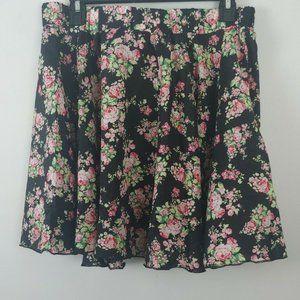 NWT Sho Sho flared elastic waist floral skirt